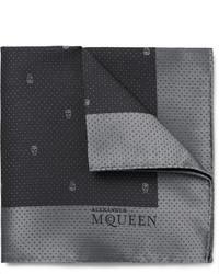 Pañuelo de bolsillo de seda en gris oscuro de Alexander McQueen