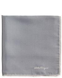 Pañuelo de bolsillo de seda gris