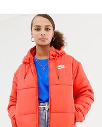 Plumífero naranja de Nike
