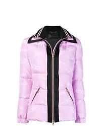 Plumífero rosado de Versace