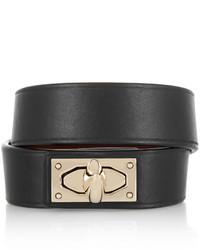 Pulsera en negro y dorado de Givenchy
