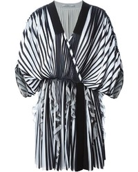 Quimono de rayas verticales en blanco y negro