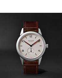 Reloj de cuero en marrón oscuro de NOMOS Glashütte