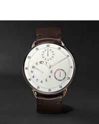 Reloj de cuero en marrón oscuro de Ressence