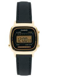 Reloj de cuero en negro y dorado de Casio