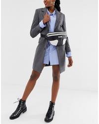 Riñonera de cuero en negro y blanco de Karl Lagerfeld