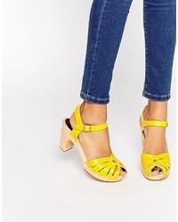 dbf93fb69f8 Comprar unas sandalias amarillas de Asos  elegir sandalias amarillas ...