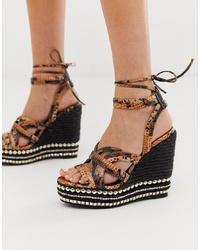Sandalias con cuña de cuero con print de serpiente marrónes de ASOS DESIGN