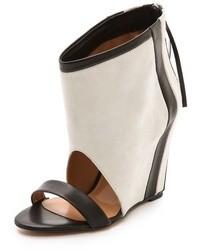 Sandalias con cuña de cuero en blanco y negro de IRO