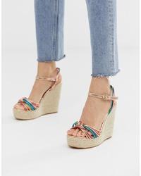 Sandalias con cuña de cuero en multicolor de Glamorous