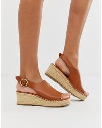 Sandalias con cuña de cuero marrónes de Head over Heels by Dune