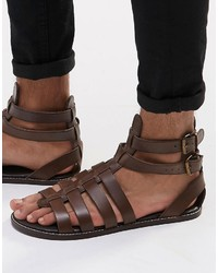 Sandalias de cuero en marrón oscuro de Asos