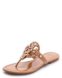 Sandalias de dedo de cuero marrón claro de Tory Burch