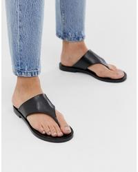 Sandalias de dedo de cuero negras de Other Stories