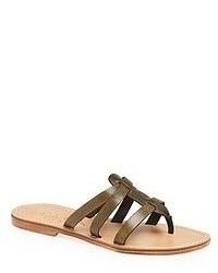 Sandalias de dedo en marrón oscuro
