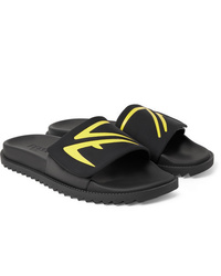 Sandalias de goma negras de Fendi