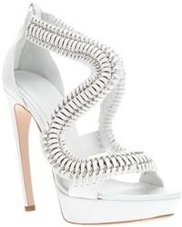 Sandalias de tacón blancas de Alexander McQueen