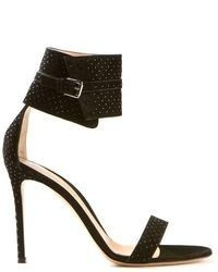 Sandalias de tacón de ante con adornos negras de Gianvito Rossi