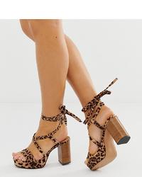 Sandalias de tacón de ante de leopardo marrónes de ASOS DESIGN