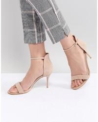 Sandalias de tacón de ante en beige de Karen Millen