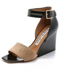 Sandalias de tacón de ante en negro y marrón claro de Acne Studios