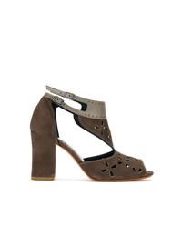 Sandalias de tacón de ante marrónes de Sarah Chofakian