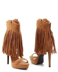 Sandalias de tacón de ante сon flecos marrón claro