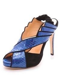 Sandalias de tacón de cuero azules de Chrissie Morris