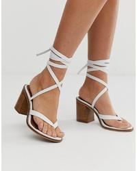 Sandalias de tacón de cuero blancas de ASOS DESIGN