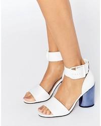 Sandalias de tacón de cuero blancas de Asos