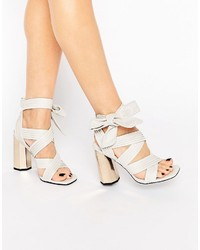 Sandalias de tacón de cuero blancas de Senso