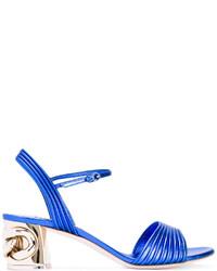 Sandalias de tacón de cuero con adornos azules de Casadei