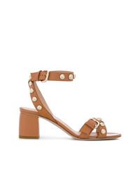 Sandalias de tacón de cuero con tachuelas marrónes de RED Valentino