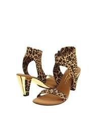 Sandalias de tacón de cuero de leopardo marrónes