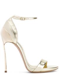 Sandalias de tacón de cuero doradas de Casadei
