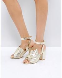 Sandalias de tacón de cuero doradas de Park Lane