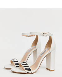 Sandalias de tacón de cuero en blanco y negro de Steve Madden
