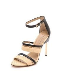 Sandalias de tacón de cuero en negro y marrón claro de BCBGMAXAZRIA