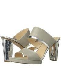 Sandalias de tacón de cuero grises