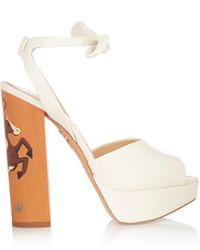 Sandalias de tacón de cuero gruesas blancas de Charlotte Olympia