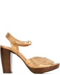 Sandalias de tacón de cuero gruesas marrónes de Chie Mihara