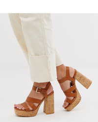 Sandalias de tacón de cuero gruesas marrónes de Stradivarius