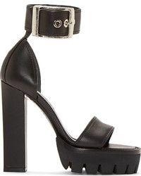 Sandalias de tacón de cuero gruesas negras de Alexander McQueen