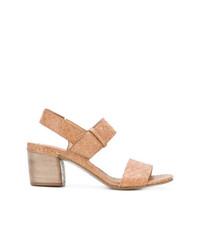 Sandalias de tacón de cuero marrón claro de Del Carlo