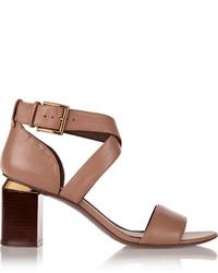 Sandalias de tacón de cuero marrónes de Tory Burch