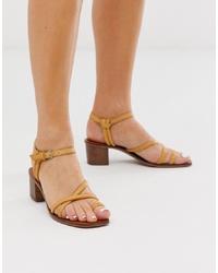 Sandalias de tacón de cuero mostaza de ASOS DESIGN
