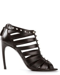 Sandalias de tacón de cuero negras de Alexander McQueen