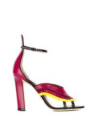 Sandalias de tacón de cuero сon flecos rosa de Paula Cademartori