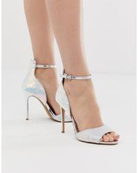 Sandalias de tacón de cuero plateadas de Head over Heels by Dune