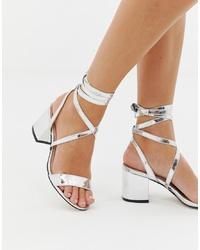 Sandalias de tacón de cuero plateadas de Public Desire